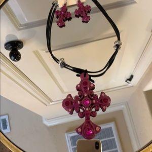 Da Vinci-Hot pink cross necklace with earrings set